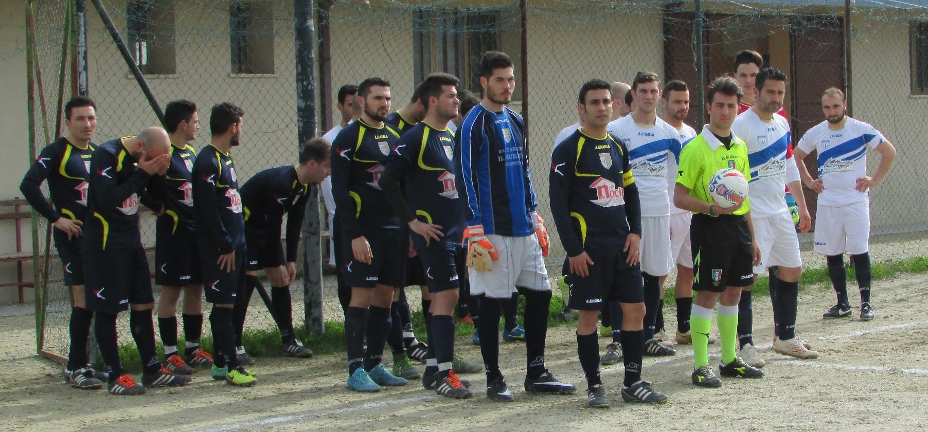 S Mauro vs S Severina entrata in campo